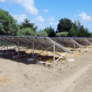Φωτογραφία από την κατασκευή δύο φωτοβολταϊκών πάρκων ισχύος 99,9kW το καθένα στην περιοχή Λαχανιάς Ρόδου